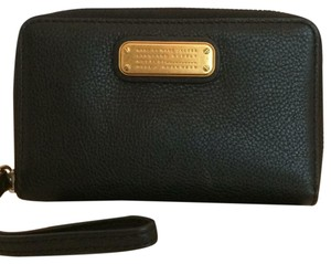 Marc Jacobs Marc Jacobs New Q Wingman Wristlet Wallet