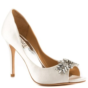 Badgley Mischka Badgley Mischka Women's Buzz Dress Pump Wedding Shoes