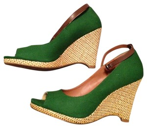 Worthington Spring Green Wedges