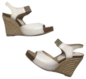 Donald J. Pliner Ginny White, Beige Wedges