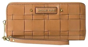 Michael Kors Vivian Woven Leather Wallet Wristlet in Peanut Brown