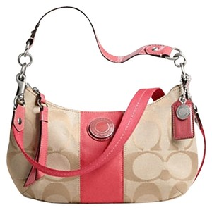 Coach Wristlet in brow orage
