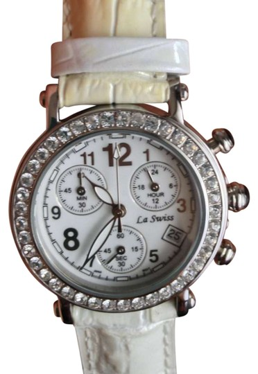Preload https://item4.tradesy.com/images/white-crystal-watch-201513-0-0.jpg?width=440&height=440