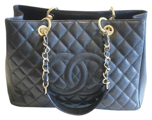 Chanel Caviar Gst Tote in black