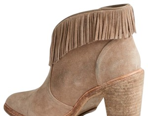 Joie Camel Boots