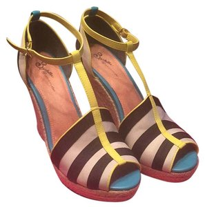 Seychelles Black, cream, yellow, turquoise. Wedges