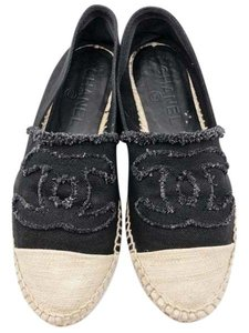 Chanel Black, beige Flats