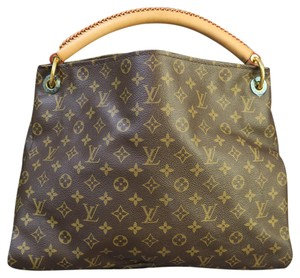 Louis Vuitton Lv Artsy Mm Monogram Hobo Bag
