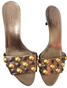 Gucci Metallic Hardware Sandcuoio Nappa Silk Metallic Gold Sandals