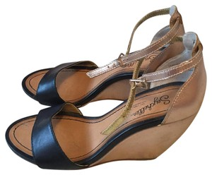 Seychelles Black and rose gold Wedges