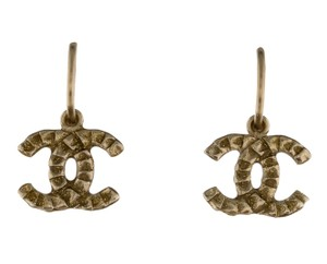 Chanel Gold-tone Chanel textured CC drop earrings
