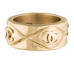 Chanel Gold-tone Chanel Quilted Interlocking CC Logo Ring 6.5