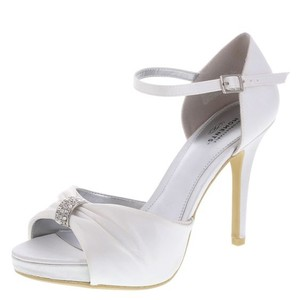 White The Knot Pumps Size US 7.5 Regular (M, B)
