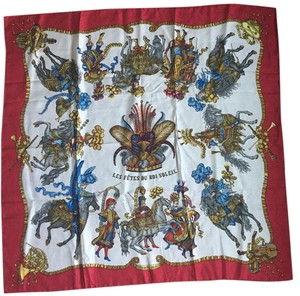 Hermès Authentic Hermes Silk Scarf in Excelent Condition!