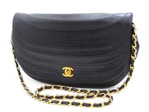 Chanel Crossbody Classic Flap Medium Shoulder Bag