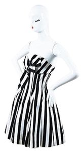 Jenny Packham Striped Bow Embellished V Neck Strapless Dress