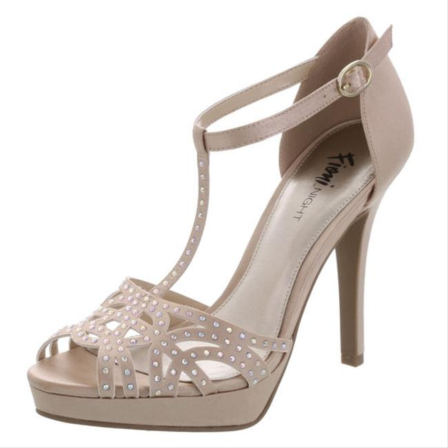 Item - Nude / Champagne Masquerade Prom Or Bridal Sandals Size US 8 Regular (M, B)