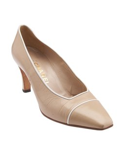 Chanel Tan Leather Beige Pumps