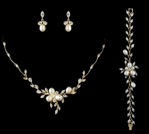 Gold Freshwater Pearl Necklace Earring And Bracelet Jewelry Set