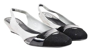 Tod's Tods Black Patent Gray Pumps
