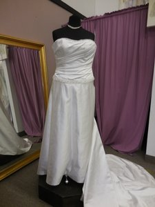 Couture Collection By Jordan Wedding Dress