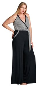 Wild Plum Wide Leg Pants Black, White