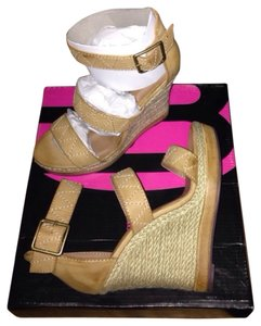 Michael Antonio Natural Wedges