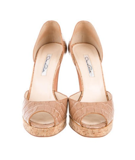 Preload https://img-static.tradesy.com/item/20167091/oscar-de-la-renta-nude-d-orsay-pumps-size-us-75-regular-m-b-0-0-540-540.jpg