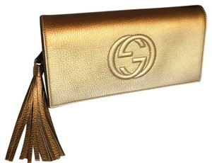 75fa37b6317caf Gucci Gold Clutches - Up to 70% off at Tradesy