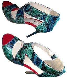 Michael Antonio Tael Snake Sandals