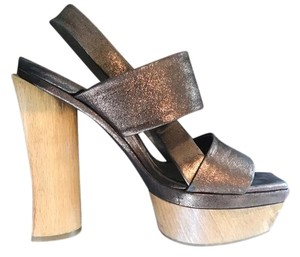 Marni bronze metalic Platforms