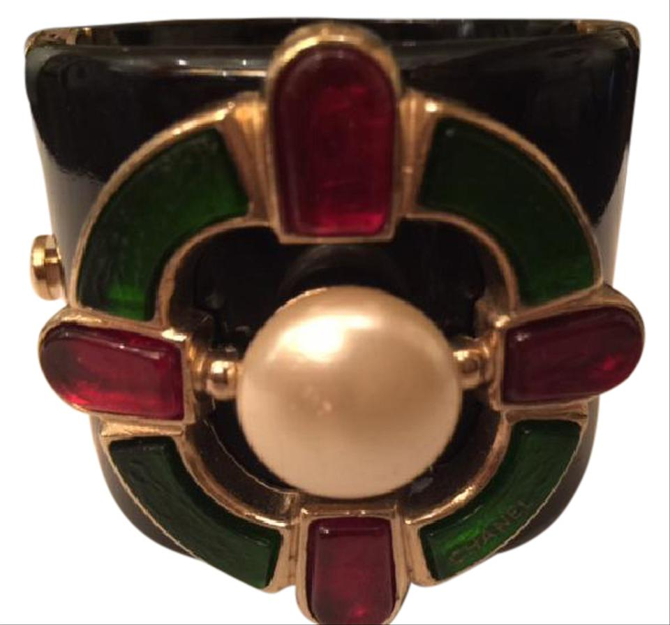 f84c69a9855 Chanel Chanel Black Resin Pearl Red and Green Gripoix Cuff   Bracelet 2007  Image 0 ...