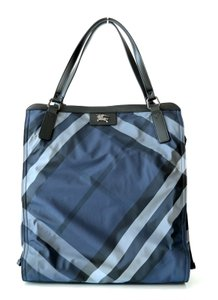 Burberry Carry All Shoulder Tote in Navy Blue