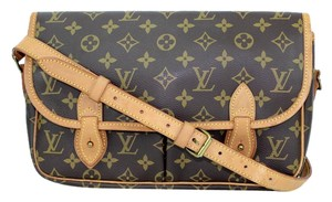 Louis Vuitton Canvas Gibeciere Shoulder Bag