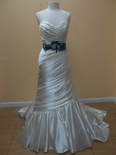Alfred Angelo White/Beyond Charmeuse 223 Formal Wedding Dress Size 10 (M)