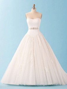Alfred Angelo 226 Wedding Dress