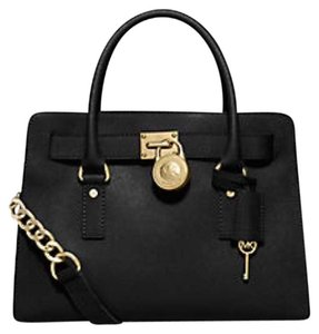 Michael Kors Satchel in Black/Large
