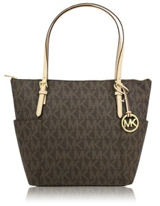 Michael Kors Jet Set Item Signature Shoulder Bag