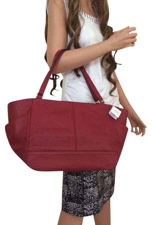 Coach Leather Carrie Handbag Tote In Black Cherry Red