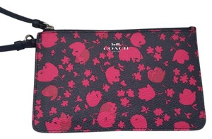 Coach Phone Case Classic Phone Wristlet in Pink