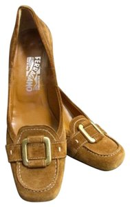 Salvatore Ferragamo Casual Comfortable Classic Brown Suede Pumps