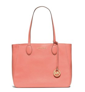 Michael Kors Mae Reversible Tote Leather Shoulder Bag