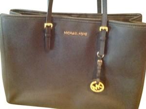 Michael Kors Classic Tote in Chocolate Brown