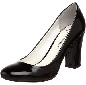 B. Makowsky Black Patent Pumps