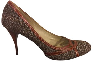 Saks Fifth Avenue Made In Italy Leather Sole brown-gray fabric and rust trim Pumps