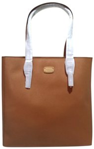 Michael Kors Jet Set Item Pocket Ote Jet Set Travel Tote in Brown acorn Gold tone