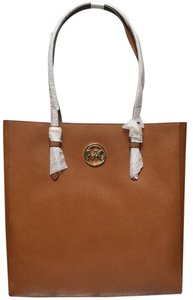 Michael Kors Jet Set Item Tote in Brown luggage Gold tone