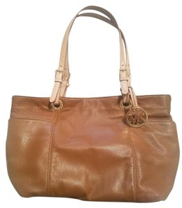 Michael Kors Zip Leather Classic Shoulder Bag