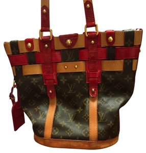 Louis Vuitton Tote in Red Patent Leather