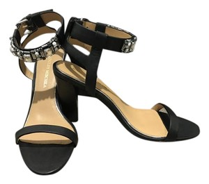 Badgley Mischka Nwot Strappy Leather Beaded Open Toe Black Pumps